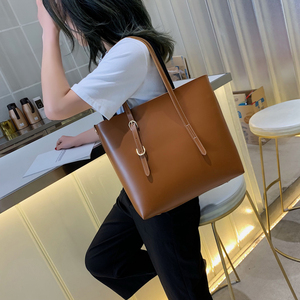 Image 1 - Moda 2 setleri pu deri lüks çanta kadın çanta tasarımcı çantaları yüksek kaliteli kadın omuzdan askili çanta ana kesesi