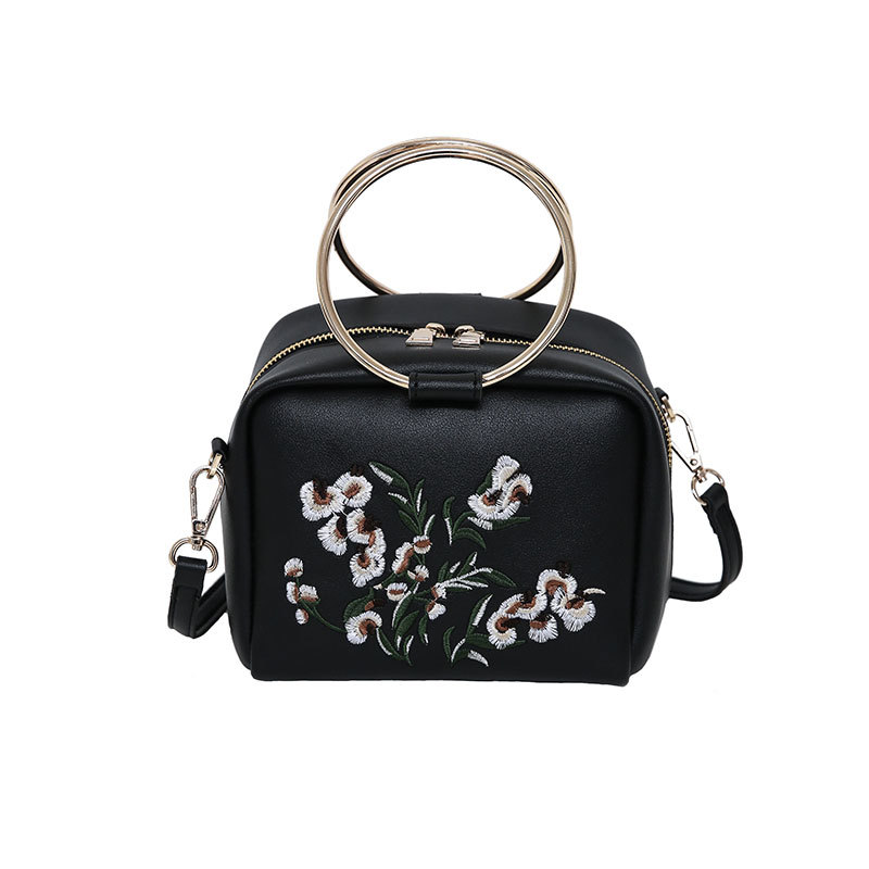 Lots of Bags 2017 New Fashion Women Flower Embroidery Elements Shoulder Bag Spri