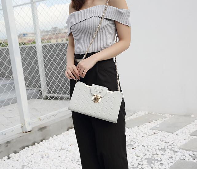 2018 FranBrdis tui new PU female bag lock single shoulder shoulder bag casual casual texture small square bag2018 FranBrdis tui new PU female bag lock single shoulder shoulder bag casual casual texture small square bag
