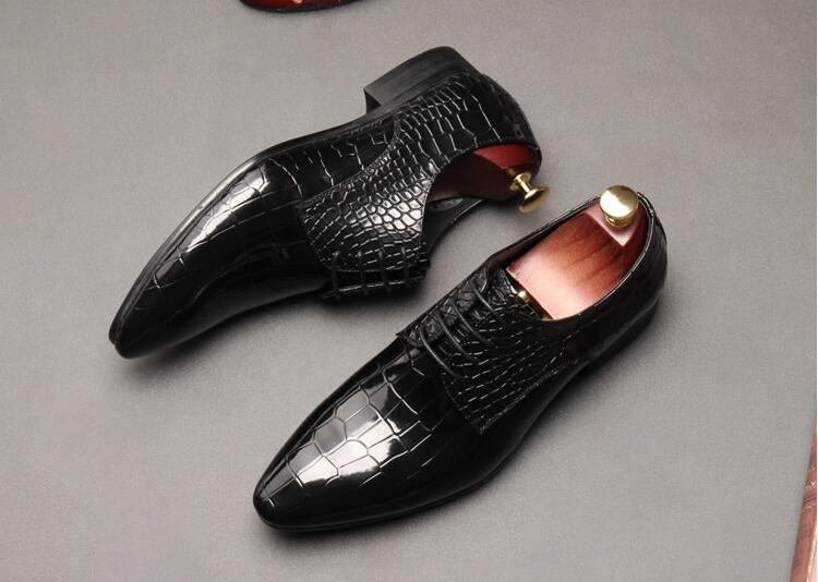 Dress shoes men lace up smart casual low heel shoes genuine leather alligator print plaid pointed toes dark blue breathable shoe loose fit casual thicken plaid lace up wool pants for men