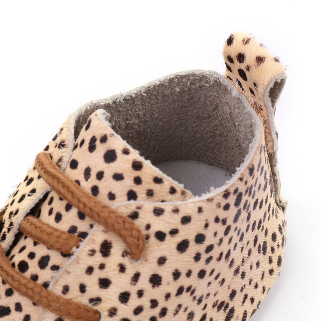 2019 Genuine Leather Baby shoes Leopard print Baby Girls Soft shoes Horse hair Boys First walkers Lace Baby moccasins 4