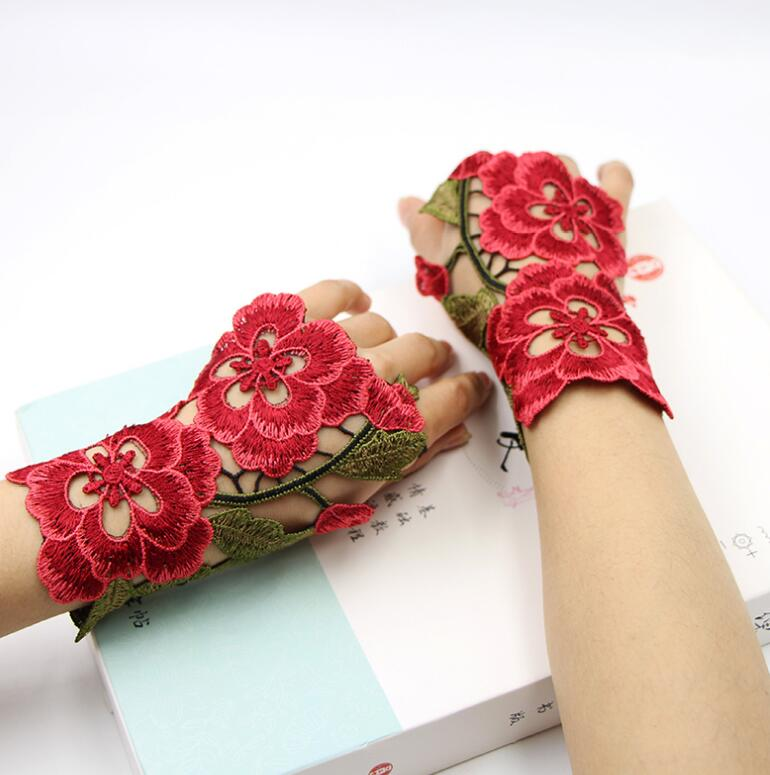 Women's Vintage Original Hollow Out Fingerless Flower Embroidery Gloves Female Performance Dancing Decoration Glove R1023