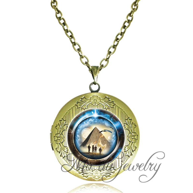 pyramid travel item in time space portal glass through stargate atlantis locket necklaces dome pendant jewelry from necklace