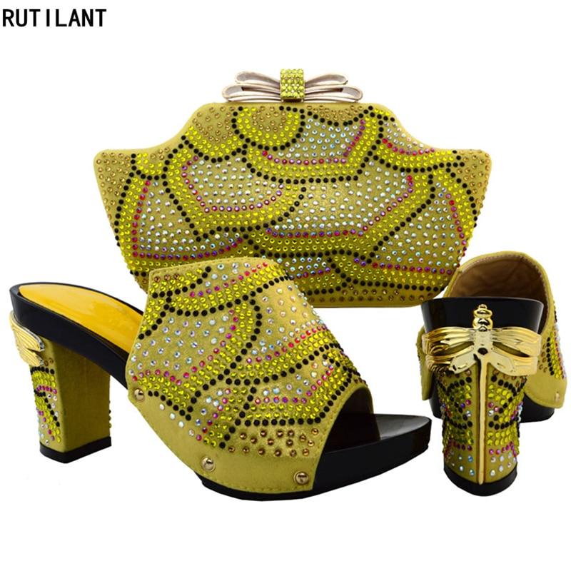 Avec Africain La Femmes Décoré Pour Arrivée Et Sac De orange Mariage Strass Nouvelle Chaussures Ensemble Or Nigérians Nigérian Fête Dans gSqa5w