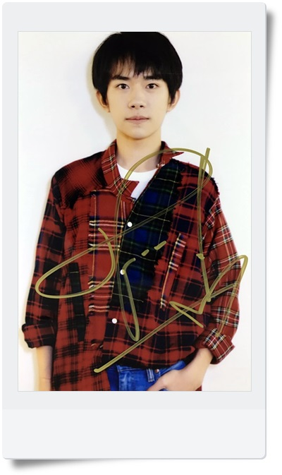signed TFBOYS Jackson  autographed  photo 6 inches  freeshipping 08201701 signed tfboys autographed group photo 6 inches freeshipping 08201703