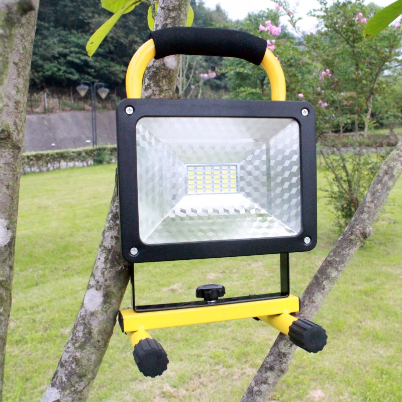 YUPARD 30W flood light  Spotlight Searchlight Brightness LED flashlight+3*4200mAh 18650 rechargeable battery+charger for Outdoor ultrathin led flood light 200w ac85 265v waterproof ip65 floodlight spotlight outdoor lighting free shipping