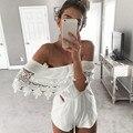 Mulheres elegantes Macacão 2017 Nova Praia Verão Sexy Fora Do Ombro Rendas de Croché Costura Macacões Curtos Branco Barra Pescoço Macacão