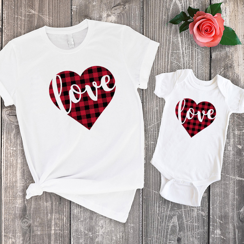 Mom And Son Matching Clothes Baby Girl Christmas Family 2019 Summer Tshirt Cute Mama Tops Family Look Mommy And Me Love Print