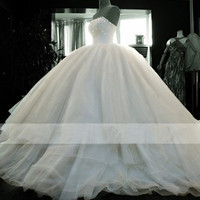 Ball Gown Wedding Dresses Plus Size Tulle Strapless Vestidos de Noiva Beaded Wedding Gowns Simple Gothic Bride Dresses Puffy