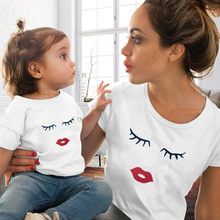 Eye Lashes Red Lips Print Women and Kids T-shirt Funny Family Matching Clothes Summer Mother and Daughter Clothes Casual Tshirt