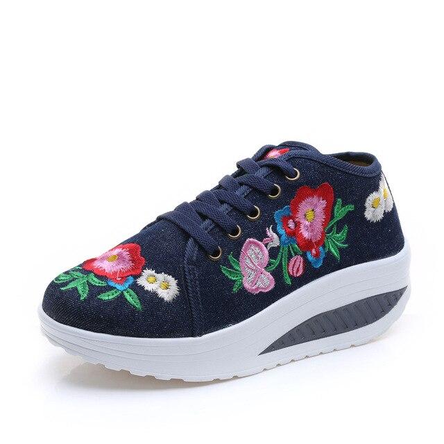 2017 Женщин Фитнес Lady Свинг Обувь Летняя Мода Холст Повседневная Обувь Цветочные Вышивка Похудения Женщина Обувь