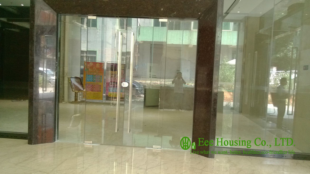 Customized Frameless Glass Door With 12mm Tempered Clear Glass
