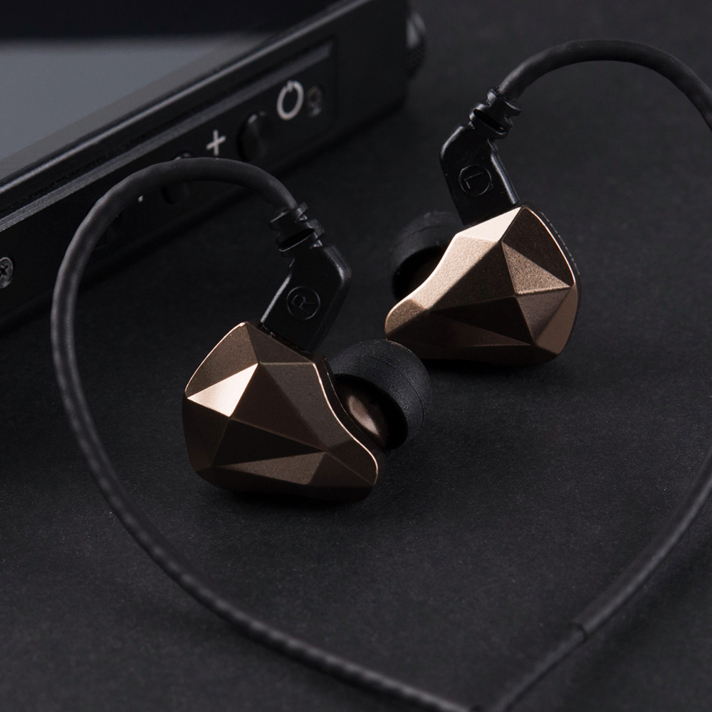 Yinyoo TOPAZ 4BA+1DD 10MM Bio-Diaphragm Customized Alloy Dynamic Driver Hybrid In Ear Earphone HIFI DJ Monitor Earphone Earbuds