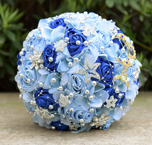 Rhinestone bride holding flowers dreamy starry blue mix and match bouquet creative crystal bridesmaid bride wedding bouquet hot