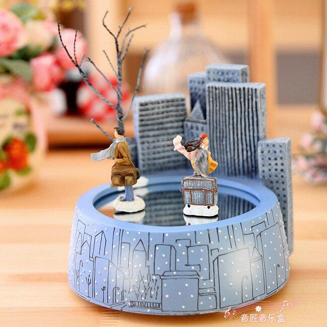 Frete grátis caixa de música ímã Jimi rotação romântico amantes caixa de música de presente de aniversário presentes de Natal