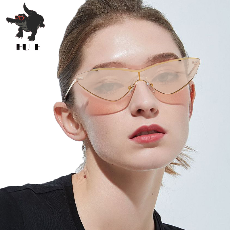 171bb7f917 Retro Cat Eye Sunglasses Women Brand Designer Metal Frame Small Triangle  Piece sunglasses 90s Vintage Black Pink Red Glasses Hot