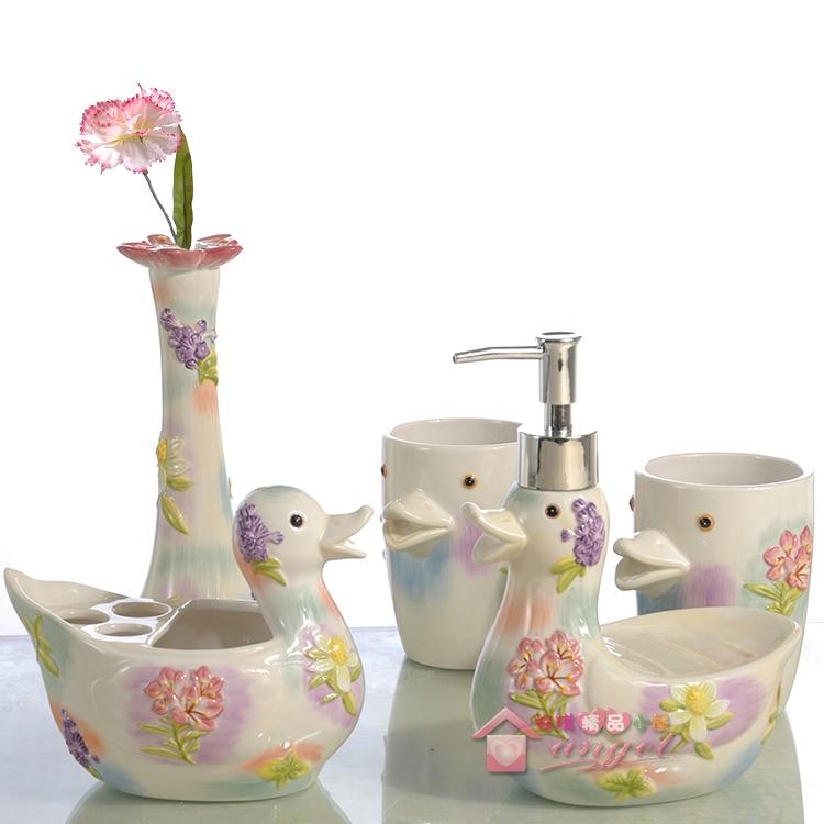 Cartoon duck ceramic toothbrush holder soap dish bathroom accessories set kit wedding home decor handicraft porcelain figurine