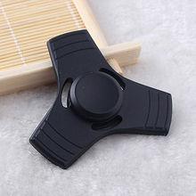 สีดำอลูมิเนียมมือปั่นTriอยู่ไม่สุขนิ้วปลายนิ้วGyroโต๊ะของเล่นEDCผู้ใหญ่