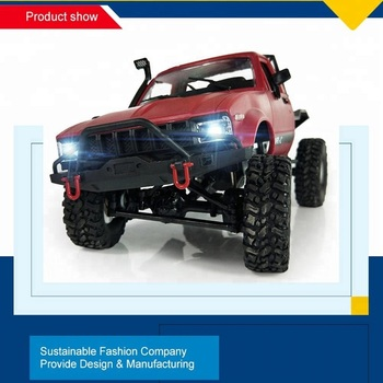 2018 Newest 2.4GHz 4WD 1:16 Scale Remote Control Off-road RC Car Vehicle Toys with  night Light