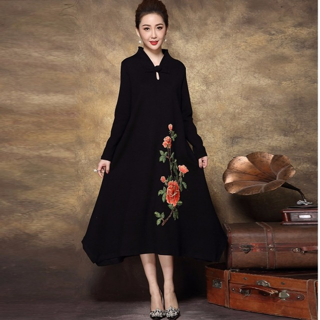 2017 Winter Middle Age Women Vintage Embroidery Long Knitted Dress