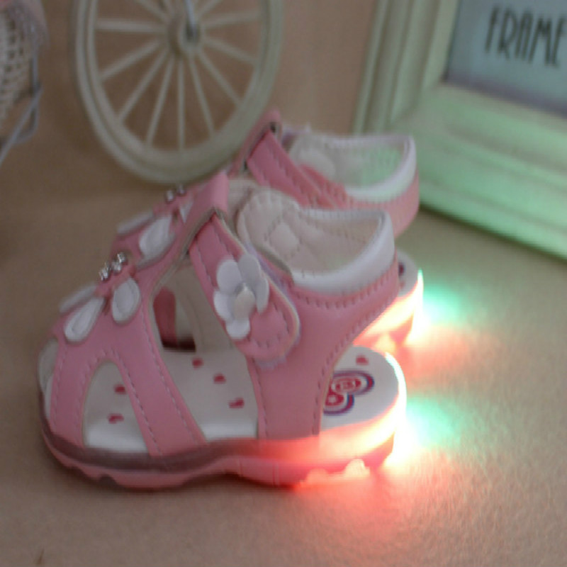 0 3 Years Old Baby Girls Sandals Light Up Shoes 2019 Summer Beautiful flowers Soft Sole Newborn Infant Toddler Kids Led shoes in Sandals Clogs from Mother Kids