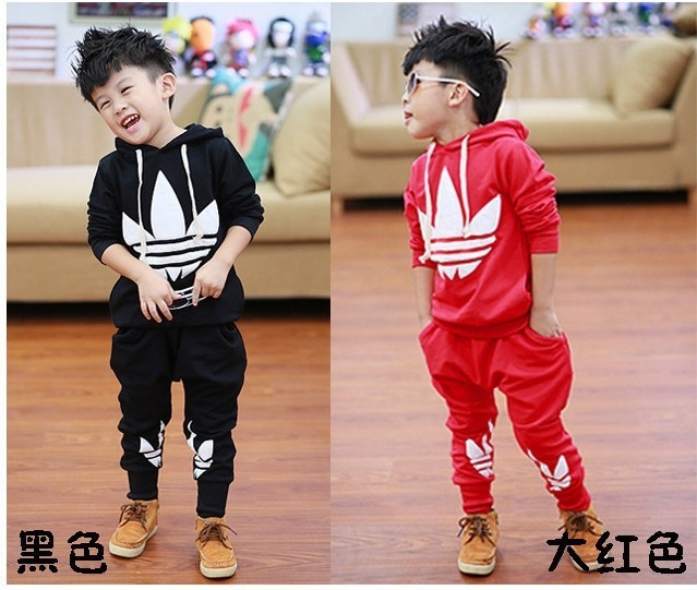 Children's clothing wholesale manufacturers selling Autumn new fashionable three leaves sports leisure with hood fleece suit