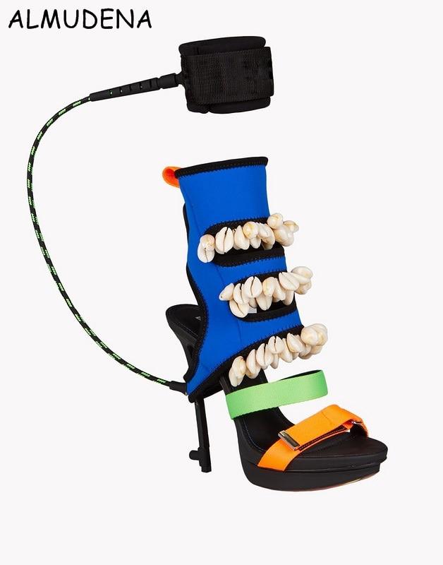 Colori misti Raso Panno Conchiglie Piattaforma Thin Alti Sandalo Special Design Moda Scarpe PartitoColori misti Raso Panno Conchiglie Piattaforma Thin Alti Sandalo Special Design Moda Scarpe Partito