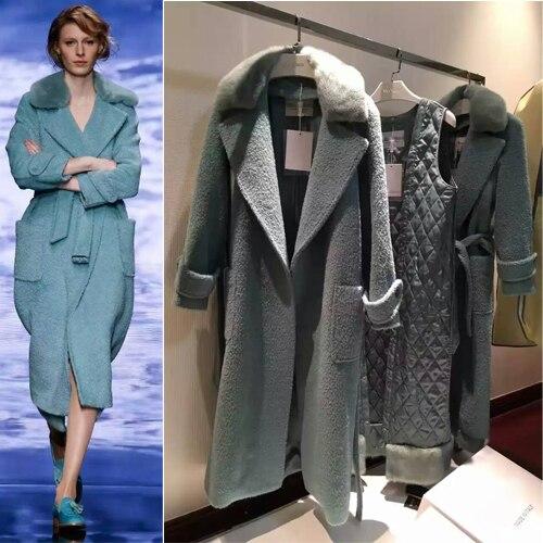 Manteau d'hiver incroyable femmes, manteau de laine de mode femmes, manteau femme hiver élégant, épissé avec col en fourrure de renard, avec doublure argyle