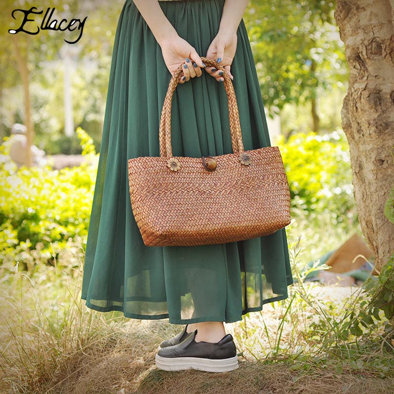 New 2017 Summer Handmade Bags Beach Knitting Straw Bags Large Capacity Fresh Handbags Women Brown Shoulder Casual Tote Bag handmade flower appliques straw woven bulk bags trendy summer styles beach travel tote bags women beatiful handbags