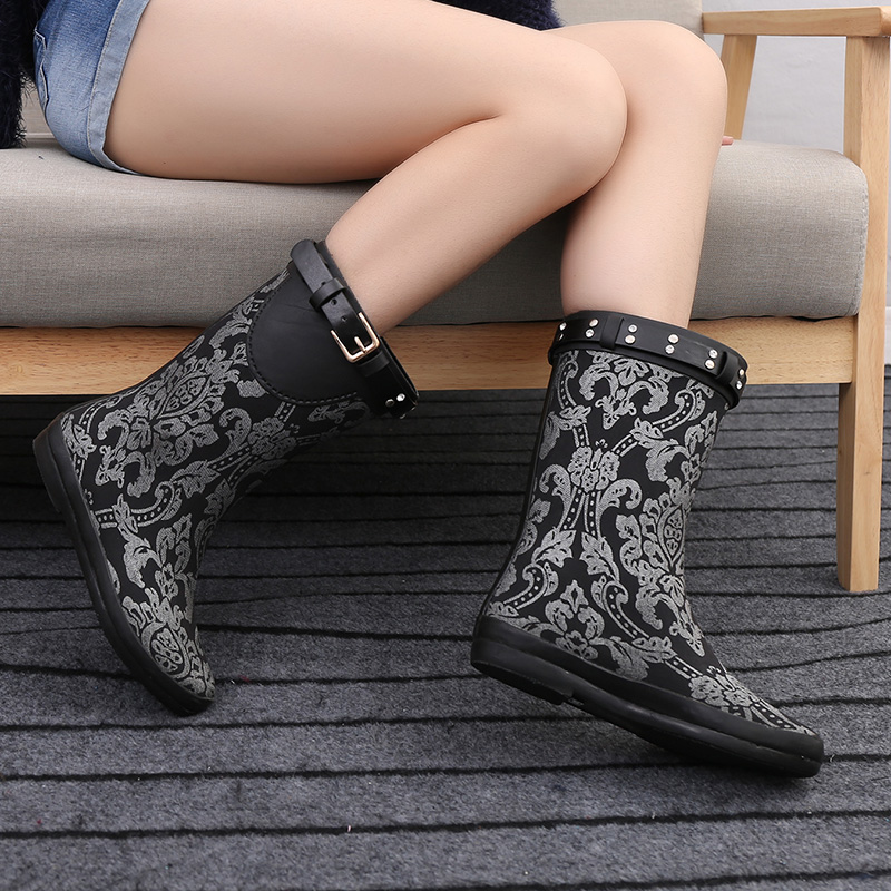 Sliver Floral Prinit Waterproof Rain Boots Women Ruber Anti-slip Flower Mid-calf Quality Water Shoes Female Rainboots Flat Botas polka dot white waterproof rain boots women ruber anti slip new arrival mid calf quality water shoes female rainboots flat botas