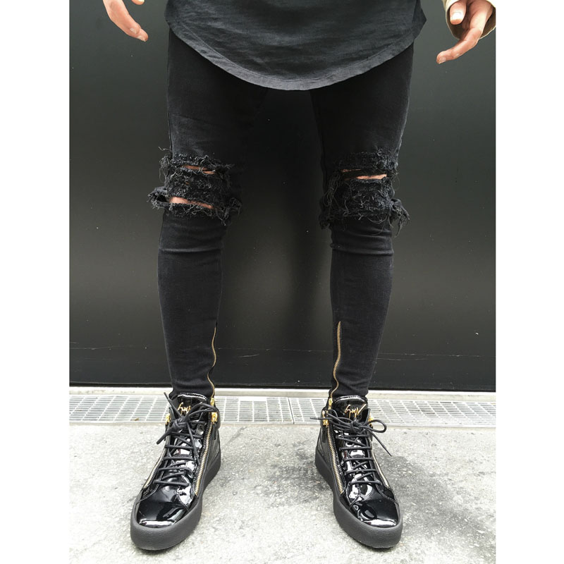 High quality 2018 Fashion Summer Casual wash locomotive biker jeans knee hole male black Ripped hole feet motorcycle jeans