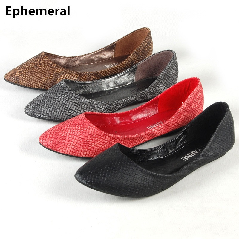 Ladies European and American style Snake Texture Plus size (4-15) Pointed toe Women Single Casual Flats Dancing Kvoll shoes Red dreambox simple european and american sports leather retro style hand made coarse shoes casual shoes