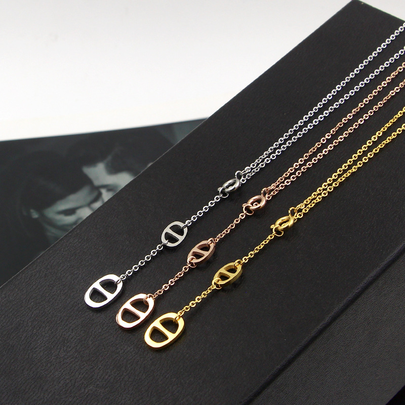 2018 New Fashion simple word size double buckle Necklace girls all-match slingshot titanium steel women men jewelry