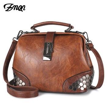 c450dc6aacca ZMQN сумки для Для женщин сумка женская 2019 Винтаж дешевая женская сумка  леди маленькая сумка через плечо сумки кожи заклепки доктор мешок C229