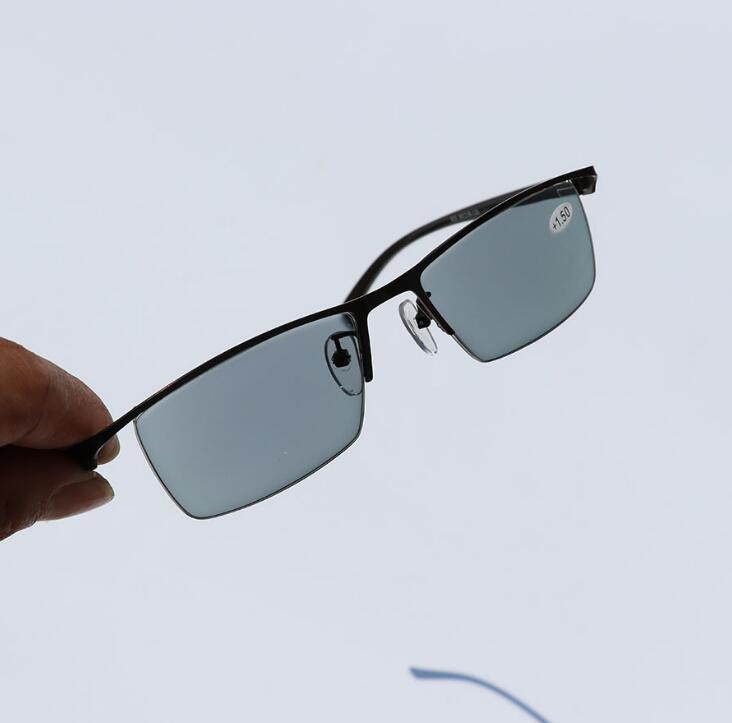 Image 4 - WEARKAPER Новый переход Защита от солнца читателей фотохромные очки для чтения Для мужчин Титан сплав Frame дальнозоркости очки с Чехол-in Женские очки для чтения from Аксессуары для одежды on AliExpress - 11.11_Double 11_Singles' Day