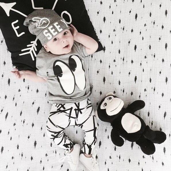 2018 verano bebé recién nacido Ropa set algodón de dibujos animados manga  corta Camiseta + Pantalones 6f9e3e455dcf