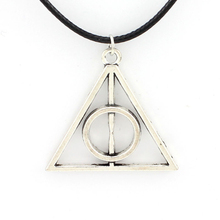2016 New Fashion Minimalist Black Velvet Collar Necklace Selling Harry Potter Films Triangle Pendant For Chockers WomeXL034(China (Mainland))
