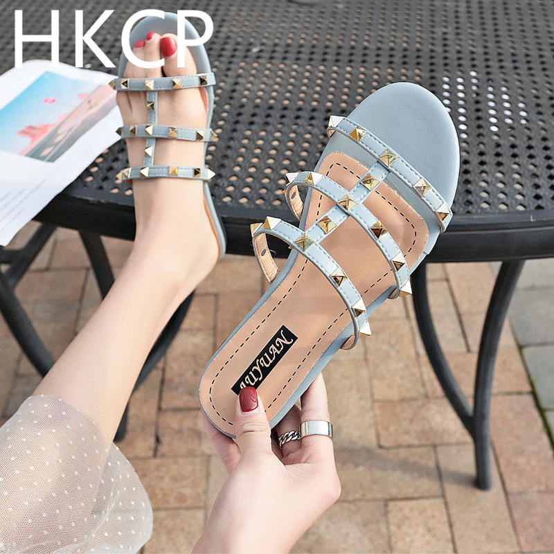 HKCP 2019 summer spring female Korean version of the new flip-flops flat sandals slippers go with flat rivet beach shoes C284