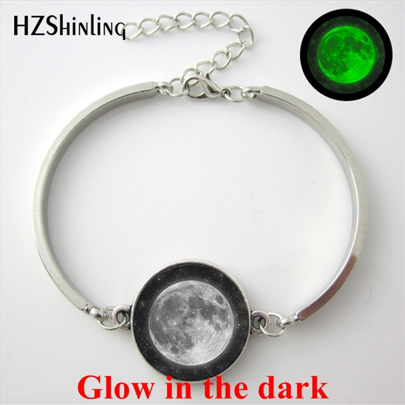 2017 New Arrival Glow in the dark Eclipse of the moon Bangle Steampunk Lunar Eclipse Bracelets Glass Dome Universe Moon Jewelry