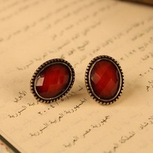 2017 New Retro fashion Lady European Style Round Crystal Stud Earring Wholesale Cheap New Fashion,Free shipping