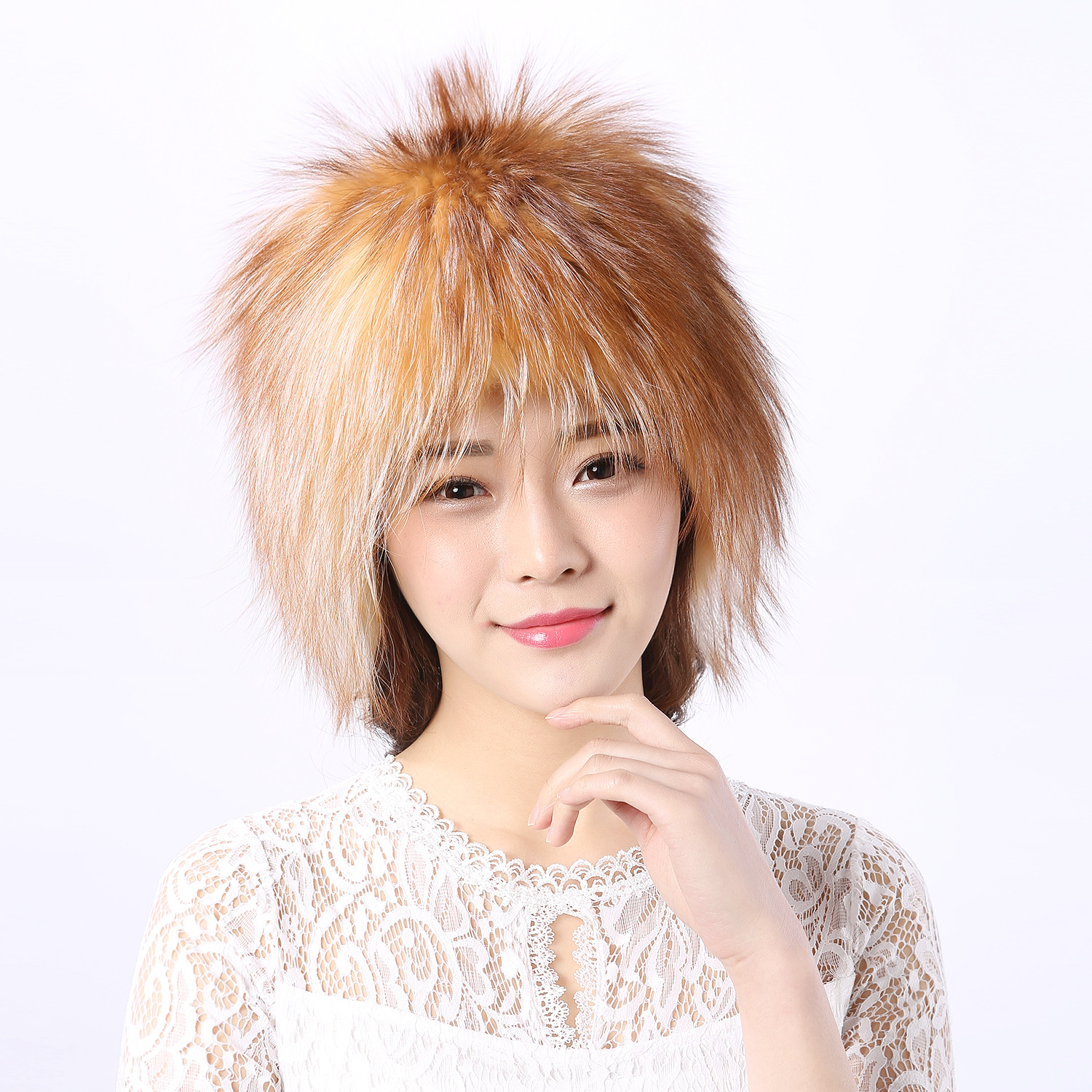 The new version of the autumn and winter fox fur hat whole skin fox fur hats warm ingwindproof fox back cap 2017 of the latest fashion have a lovely the hat of the ear lovely naughty lady s hat women s warm and beautiful style