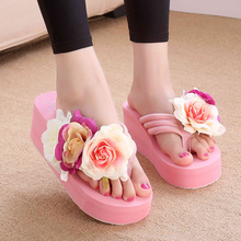 купить 2017 New Handmade Women Sandals Fashion Flower Summer Sandals Wedges Flip Flops Platform Slippers Shoes Plus Size 35-42 по цене 1615.25 рублей