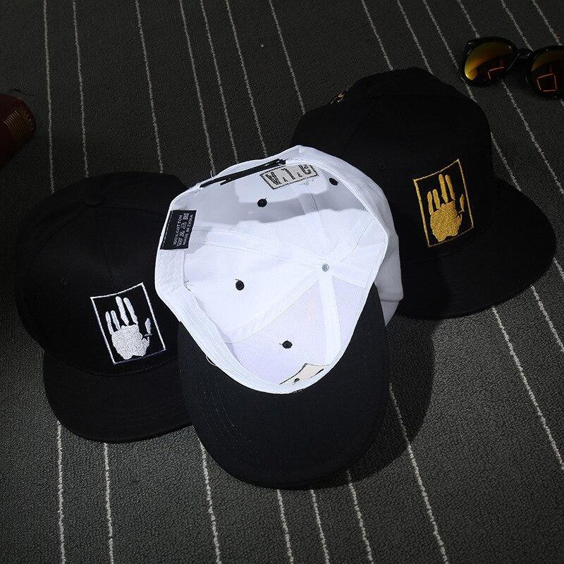 Japão Harajuku Letras Bordado Masculino Boné de Beisebol Hip Hop Cap Palma  Fresco Retalhos das Mulheres Outwear Skate Ocasional dos homens chapéus em  Bonés ... 1ae611e56b5