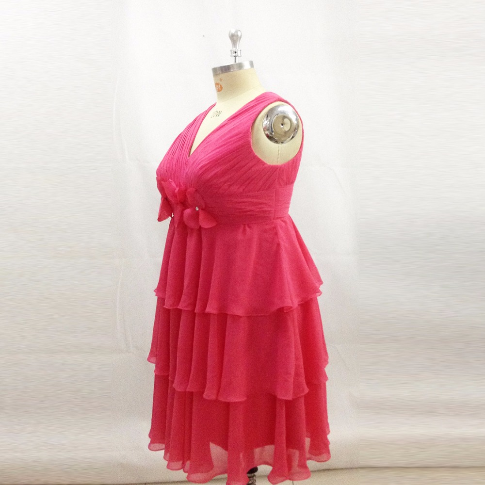 Plus Size Bridesmaid Dresses Knee Length Tiered Chiffon Short