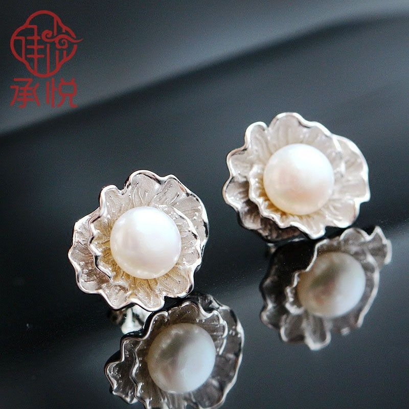 925 sterling silver with natural pearl earrings Allergy stereoscopic flower earrings