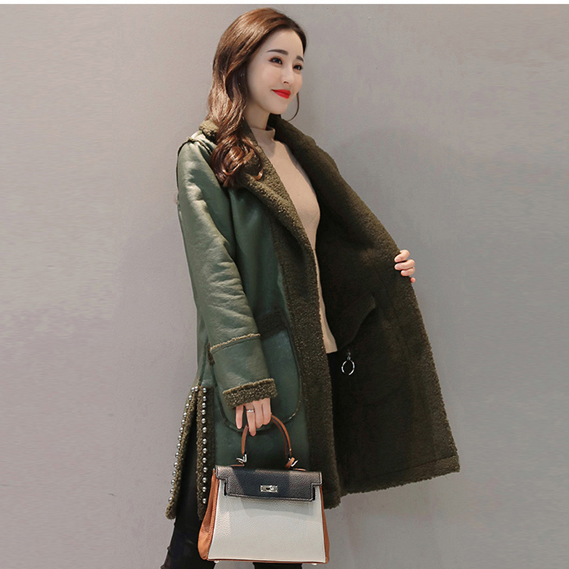 Faux   Leather   Two Side Wear Jackets 2018 Winter New Women Lamb Fur Patchwork Coats Warm Slim Rivet Fashion Thicken Parkas YP1210