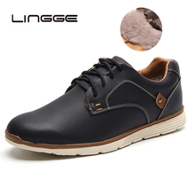LINGGE 2019 New Italy Designer Men Ankle Shoes Casual Handmade Warm Fur Men Winter Shoes Stamping Pattern Men Moccasins new italy designer artificial leather men ankle shoes autumn winter warm high top stamping pattern lace up man black punk shoe