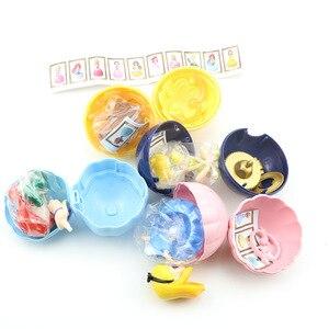 Image 4 - Akcja Disney księżniczka rysunek zabawki 4 sztuk/zestaw tajemniczy Gashapon księżniczka Alice ARIEL DAZZLES BELLE skręcone jajka zabawki...