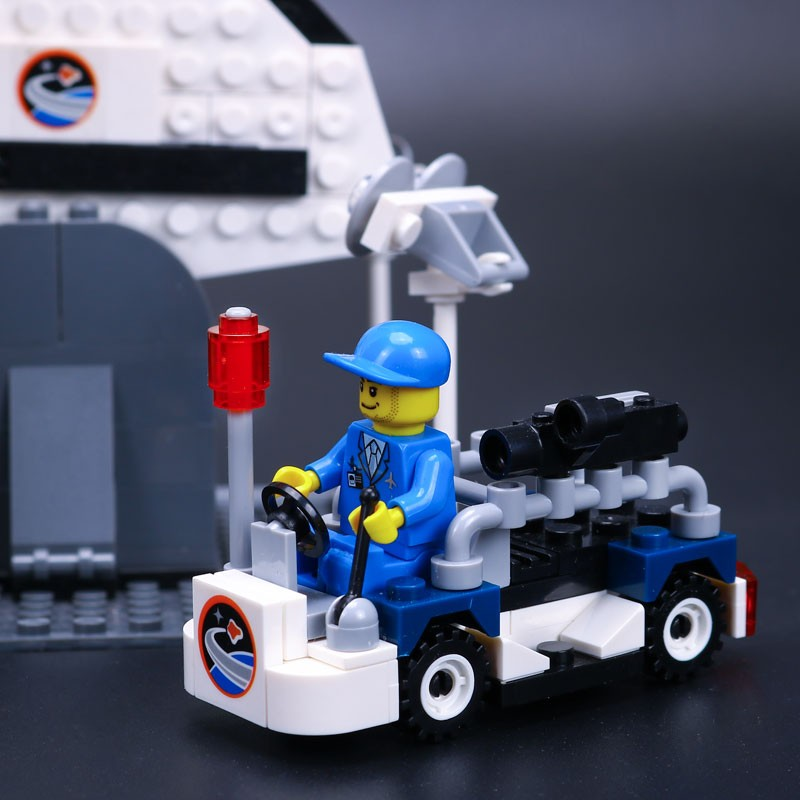 NEW-Lepin-16014-out-of-print-Shtttle-Expedition-Spaceship-10231-Buliding-Blocks-Bricks-Minifigures-Educational-Toys (4)