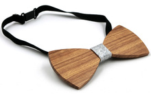 Fashionable Handmade Wooden Bowtie